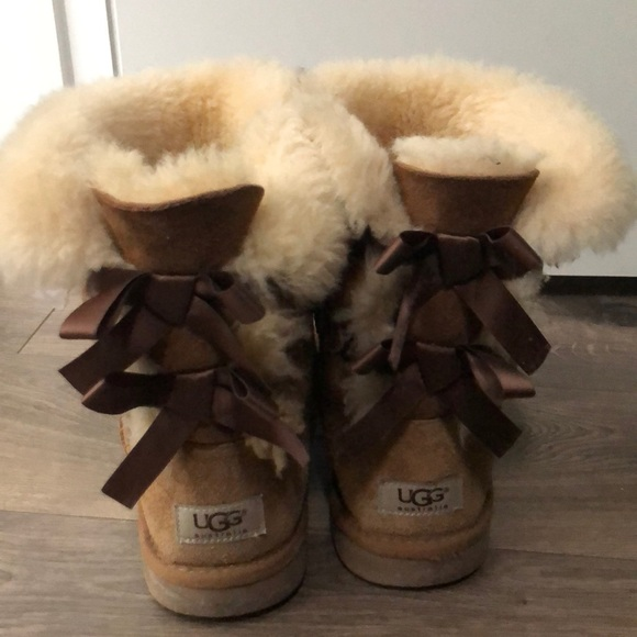 ca4e144aed2 Light Brown Ugg boots with bows on the back